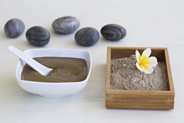 Detoxification: Try a Luxurious Body Mud Wrap